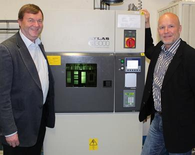 Svein Jamtvedt and Lars Evensen at the ageing tester
