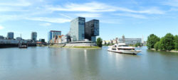 Photo: Rhein and Medienhafen in Düsseldorf