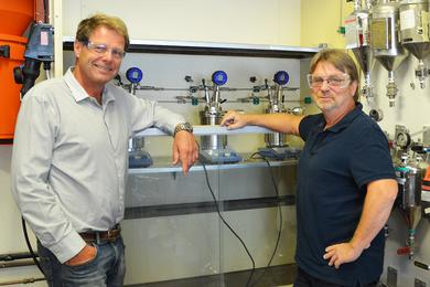 Laboratory manager, Henning Baann and Senior engineer, Roger Didrichsen